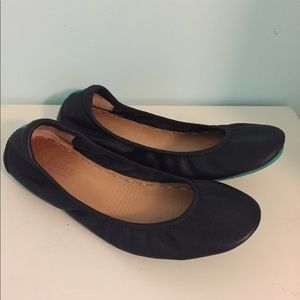 Like New Tieks matte black flats leather 8